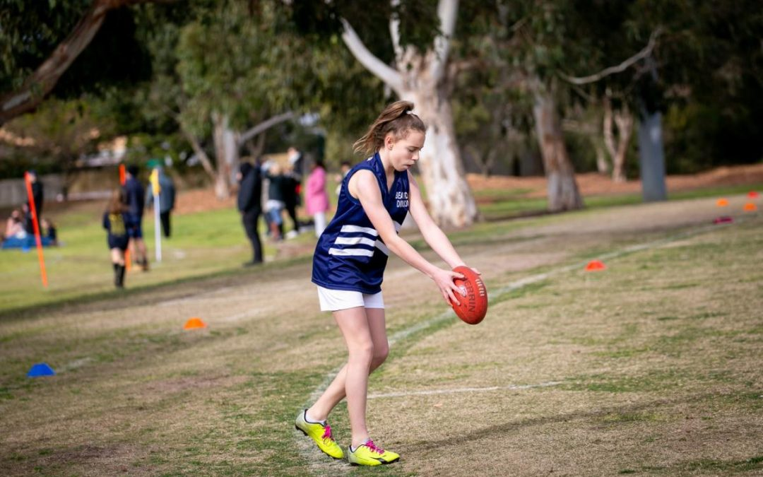 GIRLS FOOTY TO BOOT
