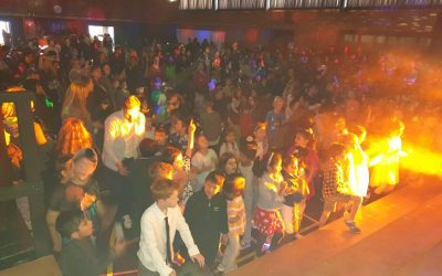 SCHOOL DISCO RAGING SUCCESS