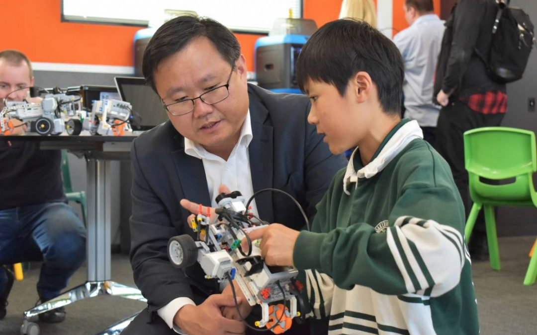 WONDERFUL PHOTOS FROM ROBOTICS CENTRE OPENING
